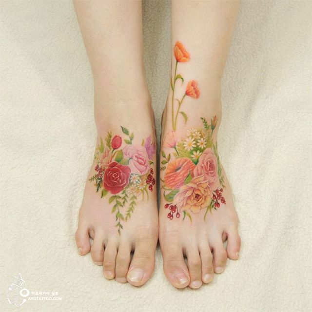 Flirty Floral Tattoo by a tattooist from Korea