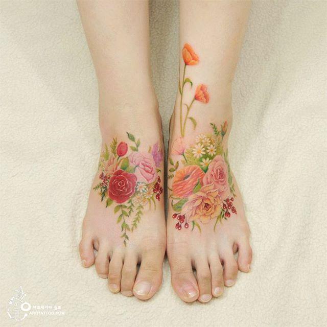 Flirty Floral Tattoo by a tattooist from Korea
