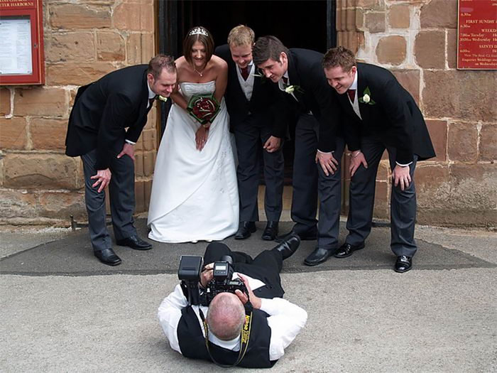 crazy wedding photography behind-the-scenes-photography 14