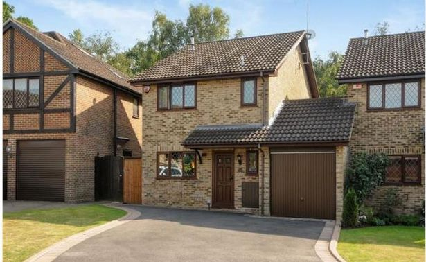The famous house in Berkshire is up for sale. harry potters home 4 privet drive up for sale