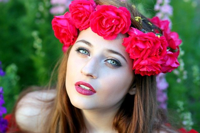 Rose Petals are a great way to get beautiful pink lips naturally