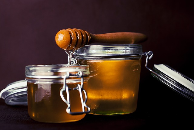 9 Science Backed Health Benefits of Honey