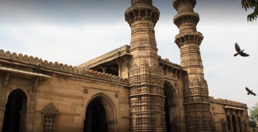 Jhulta Minar Ahmedabad