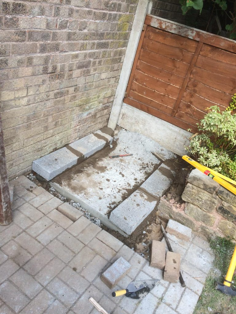 DIY Outdoor Brick Pizza Oven Step 2